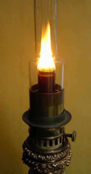 Les Becs De Lampes 224 Huile
